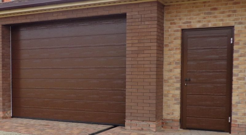 Wood garage door ideas