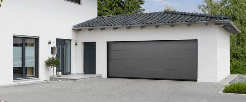 Mid-Century Modern Garage Doors Using Aluminum