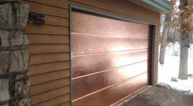 Mid-Century Modern Garage Doors Using Copper