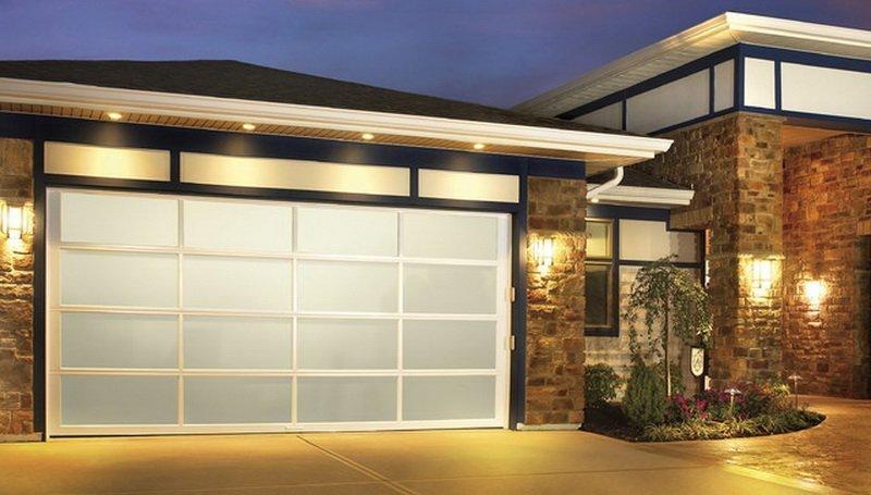 Mid-Century Modern Garage Doors Using Glass