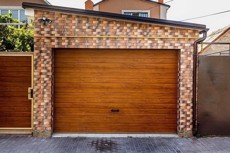 The Advantages Of Wood Garage Doors