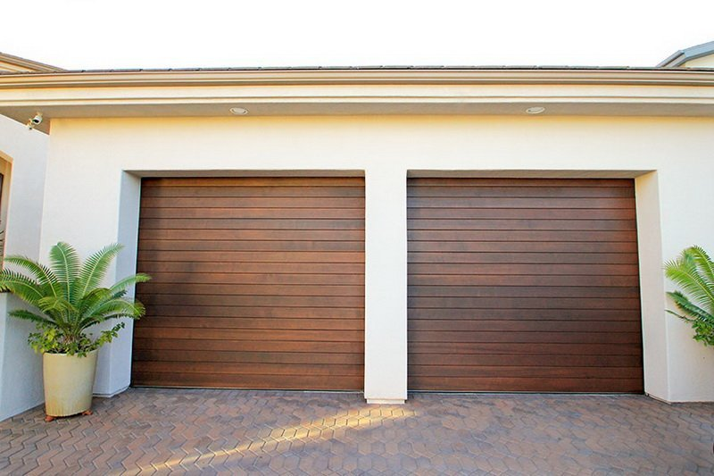The Advantages Of Wood Roll Up Garage Doors