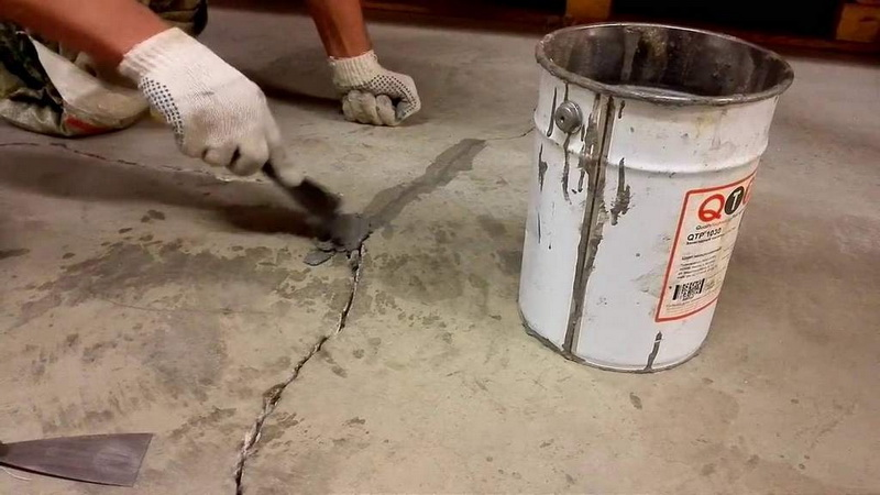 concrete with polymers for cracks